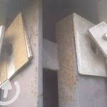 "Asbesthoudende stelplaten tussen beton elementen en staalconstructie • <a style=""font-size:0.8em;"" href=""http://www.flickr.com/photos/78534169@N04/11968024973/"" target=""_blank"">View on Flickr</a>"