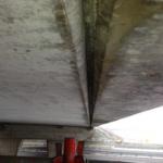 "Asbesthoudende bekistingsstrook onderzijde schampkant van viaduct op de A50 • <a style=""font-size:0.8em;"" href=""http://www.flickr.com/photos/78534169@N04/8419994368/"" target=""_blank"">View on Flickr</a>"